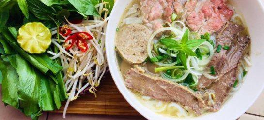 Cách Nấu Phở Bò Miền Nam Gia Truyền Của Các Nhà Hàng Giàu Có Bậc Nhất Sài Gòn