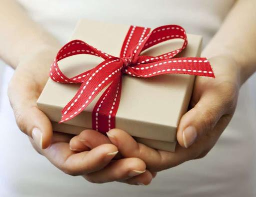 Mừng tân gia nên mua quà gì ý nghĩa nhất?